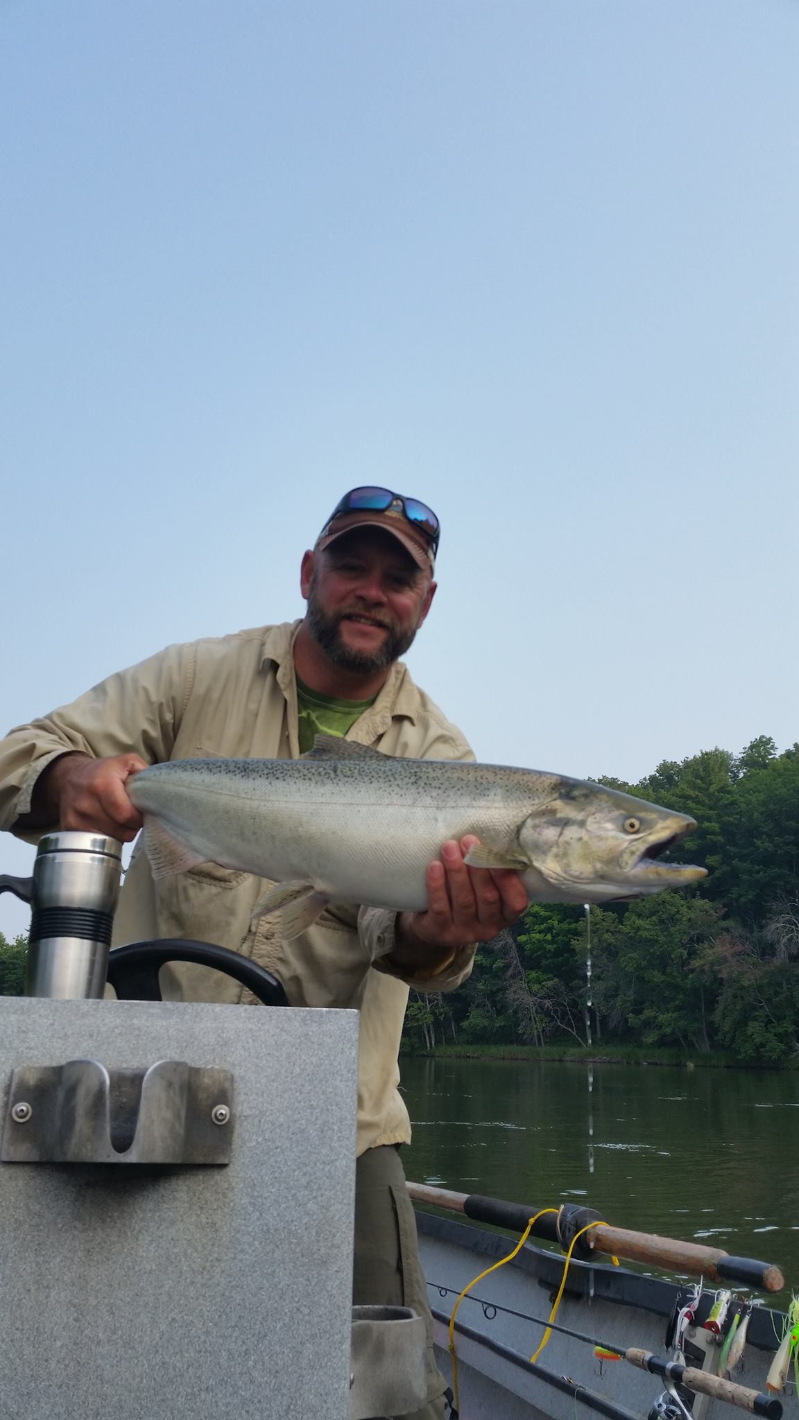 All tackle fisherman fishing outfitter big manistee river for Manistee fishing report